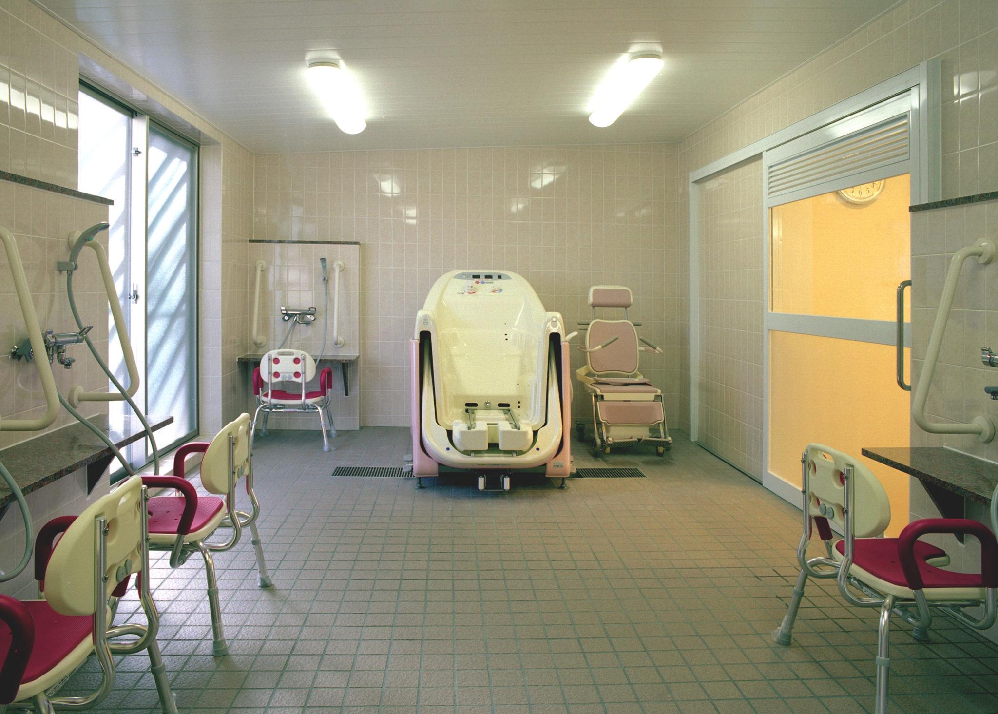 ② 介助浴室